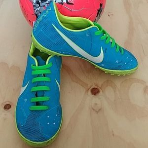Nike neymar mercurial X Soccer shoes.